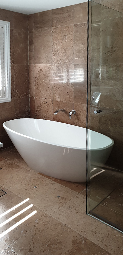 bathroom renovations – Sinnamon Park – bath tub